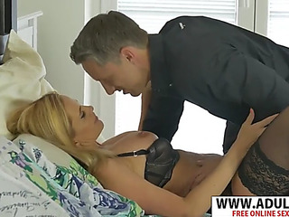 Hawt firsthand mom lili peterson seduces conscientious touching dad's ally