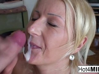 MILF Agnes wants to fuck